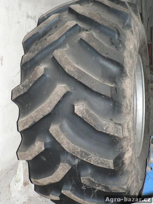 GOOD YEAR 800/65R32 kombajnové kolo.