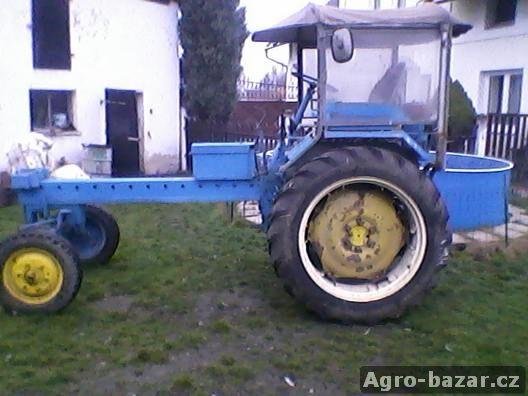 Traktor RS, čtyřválec