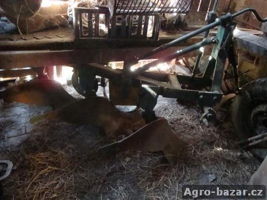 Jednoosý vlek za traktor