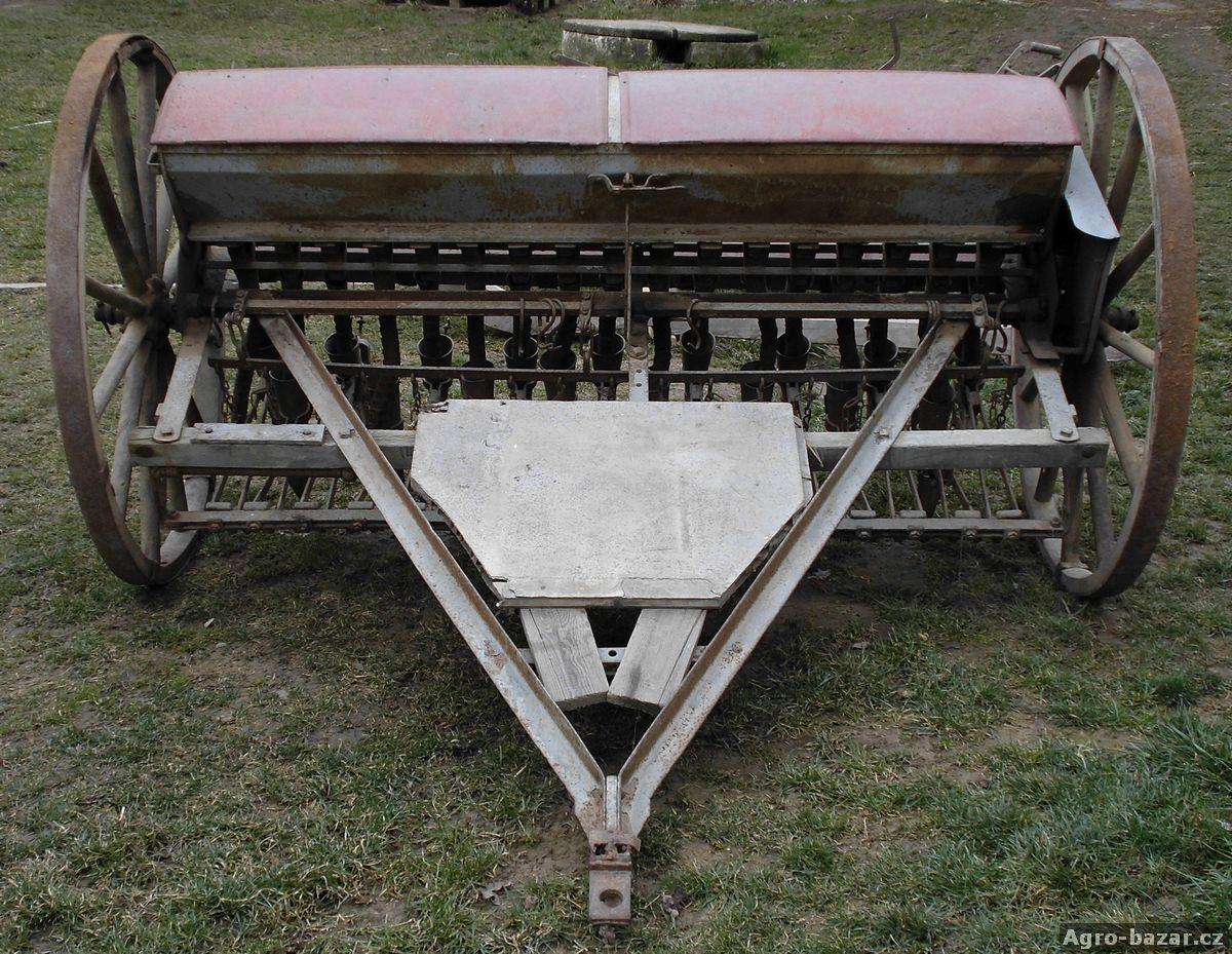 Starý secí stroj  J. Pragner Roudnice