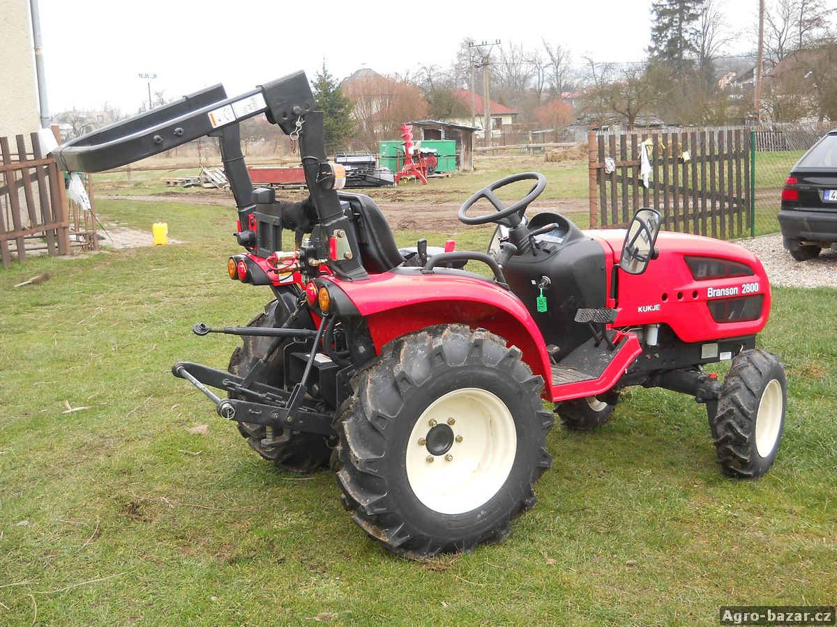 Traktor Branson 2800 a vlek Marangon 3t
