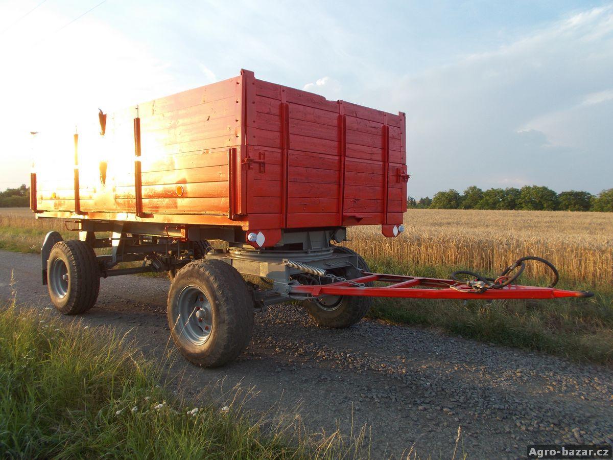 Prod�m Traktorov� p��v�s - vle�ku