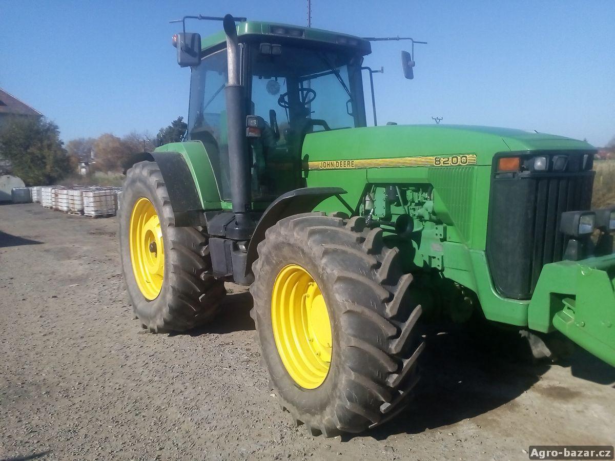 traktor  john deere 8200