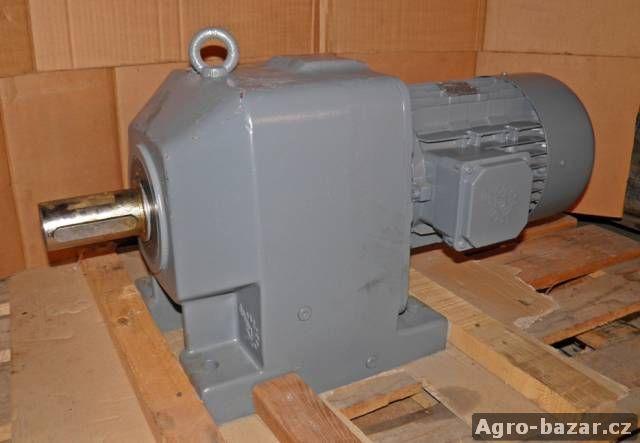 Elektromotor s převodovkou 7,5 KW
