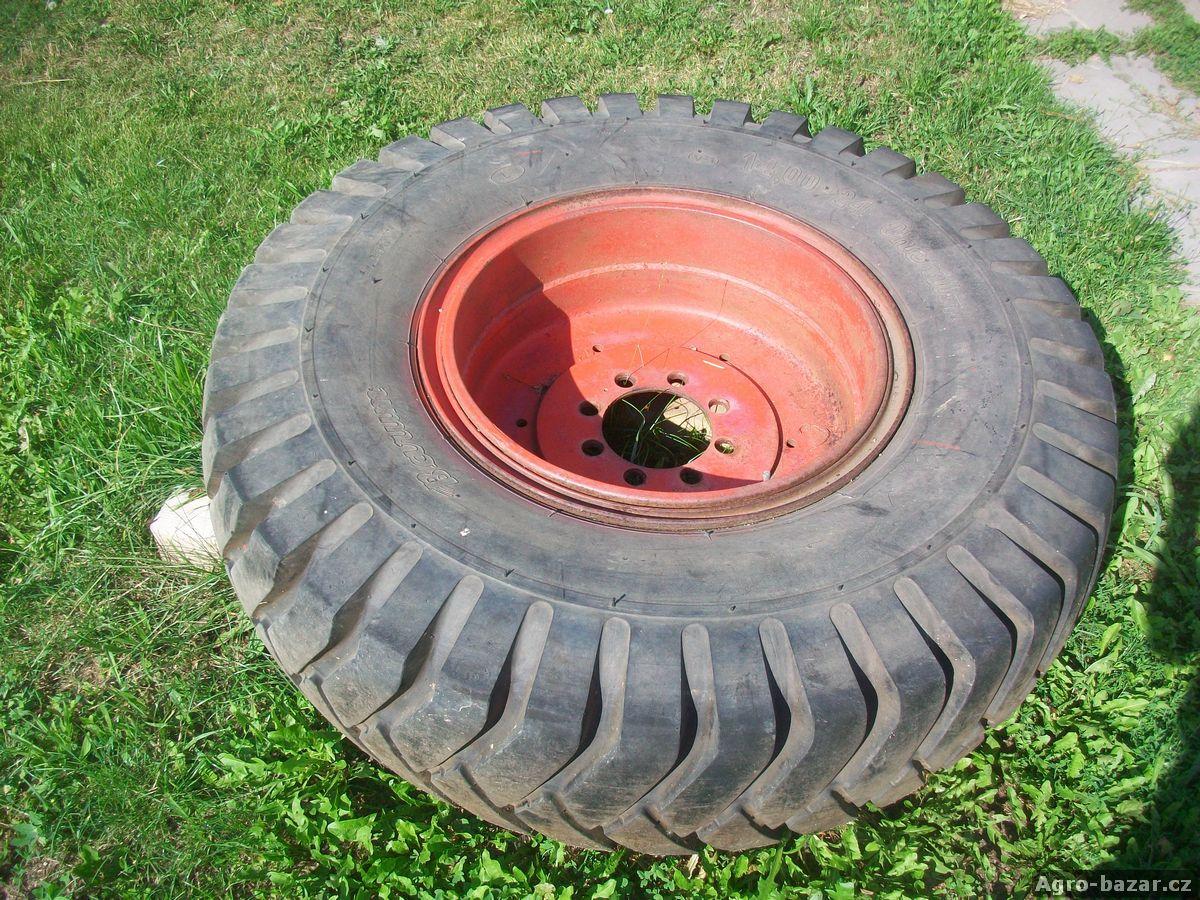 Zadní kola k traktoru