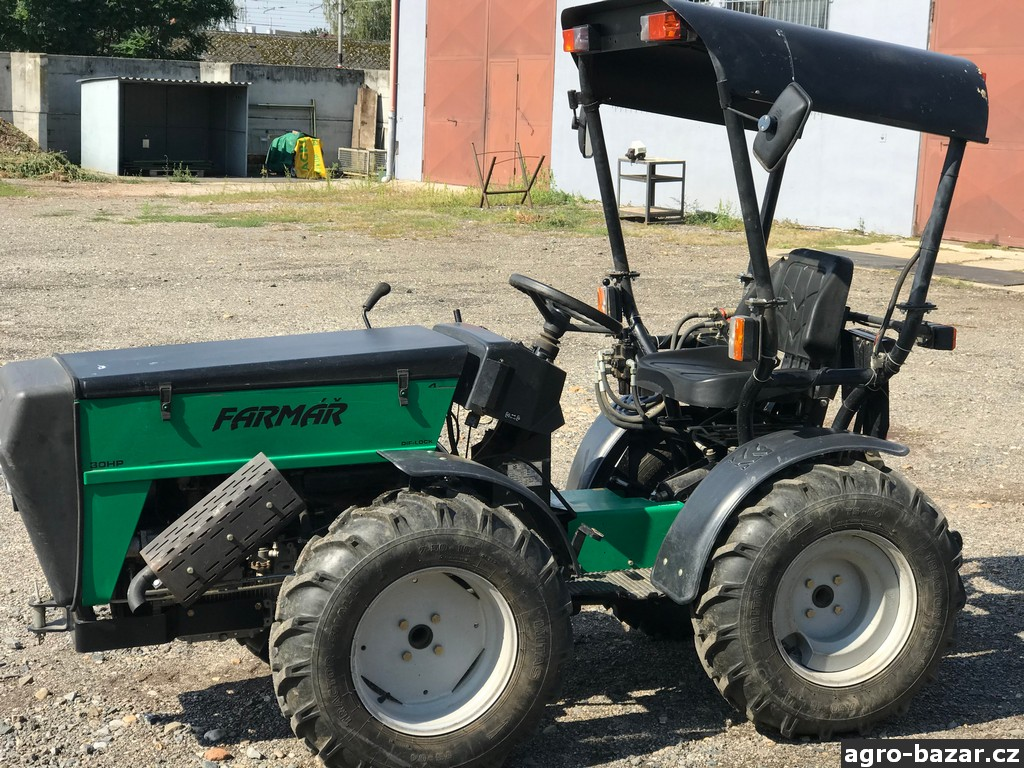 malotraktor Farmář