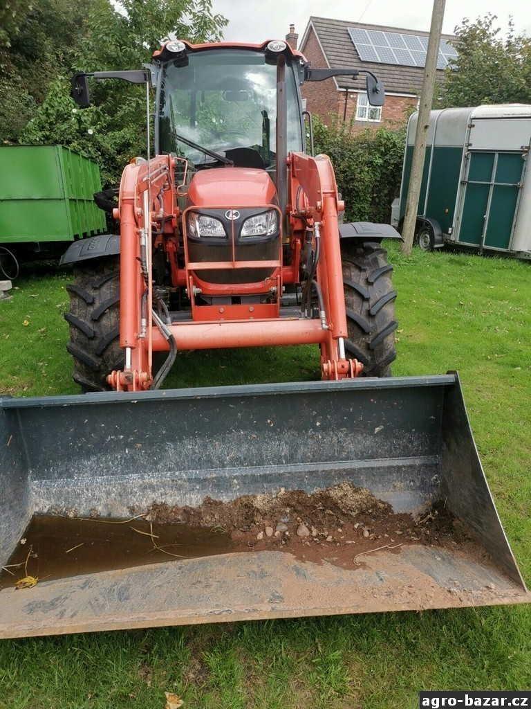 Kubota LA132-4 2014 - traktor je v perfektním stavu