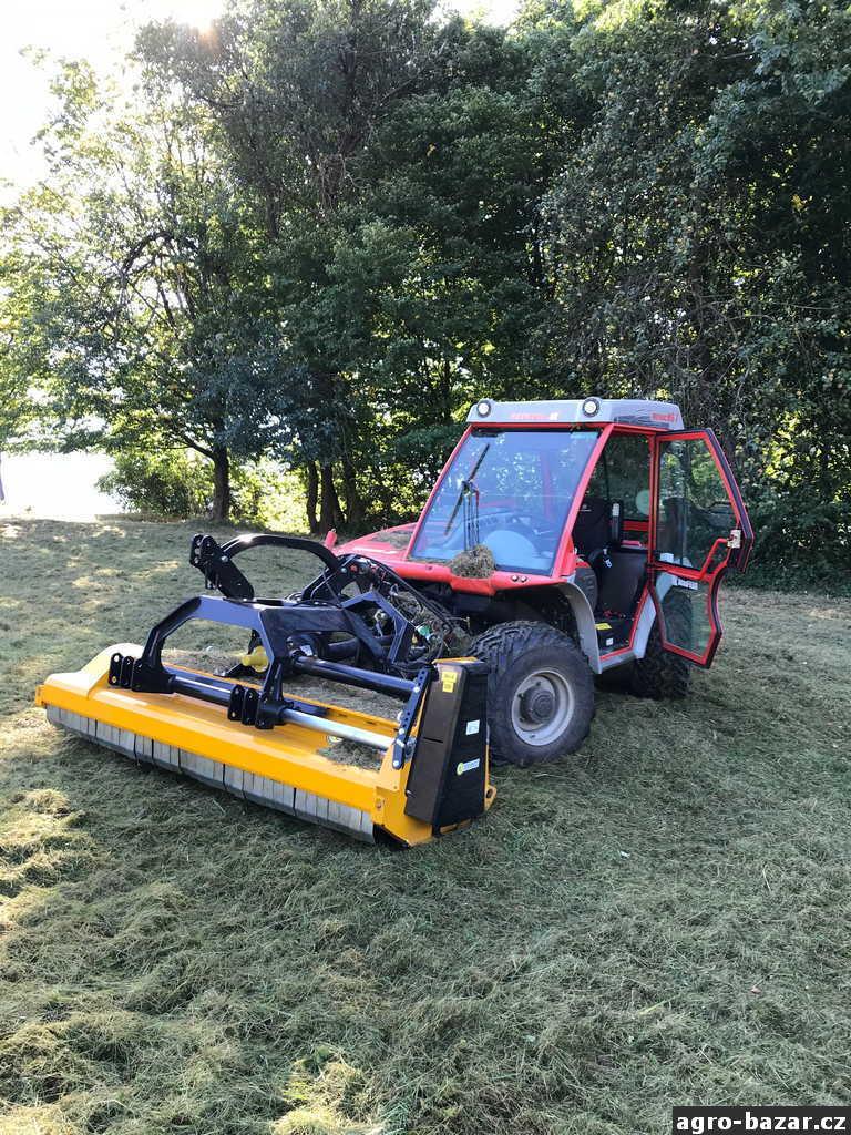 Traktor Reform Metrac M6X s kladívkovým mulčovačem