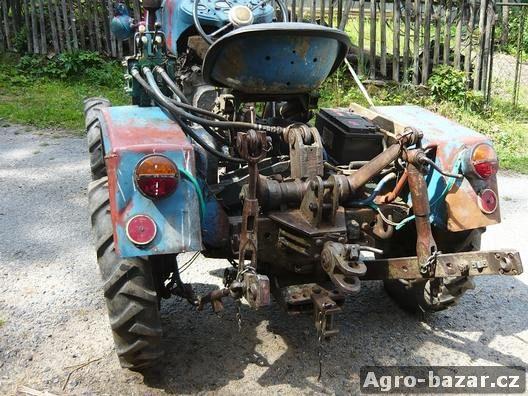 malotraktor T805
