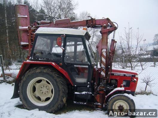 Traktor Zetor 7211 s mulčovacím ramenem