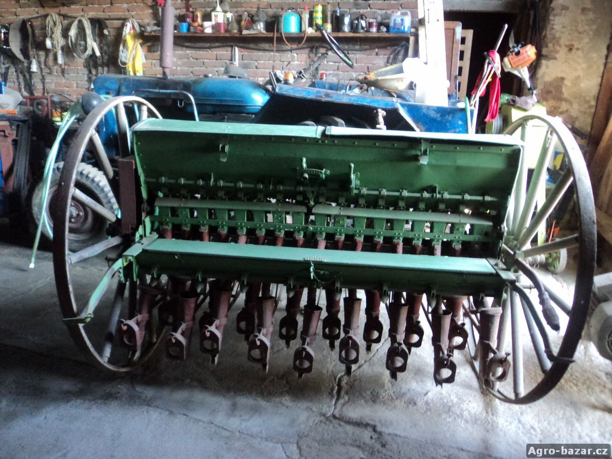 secí stroj